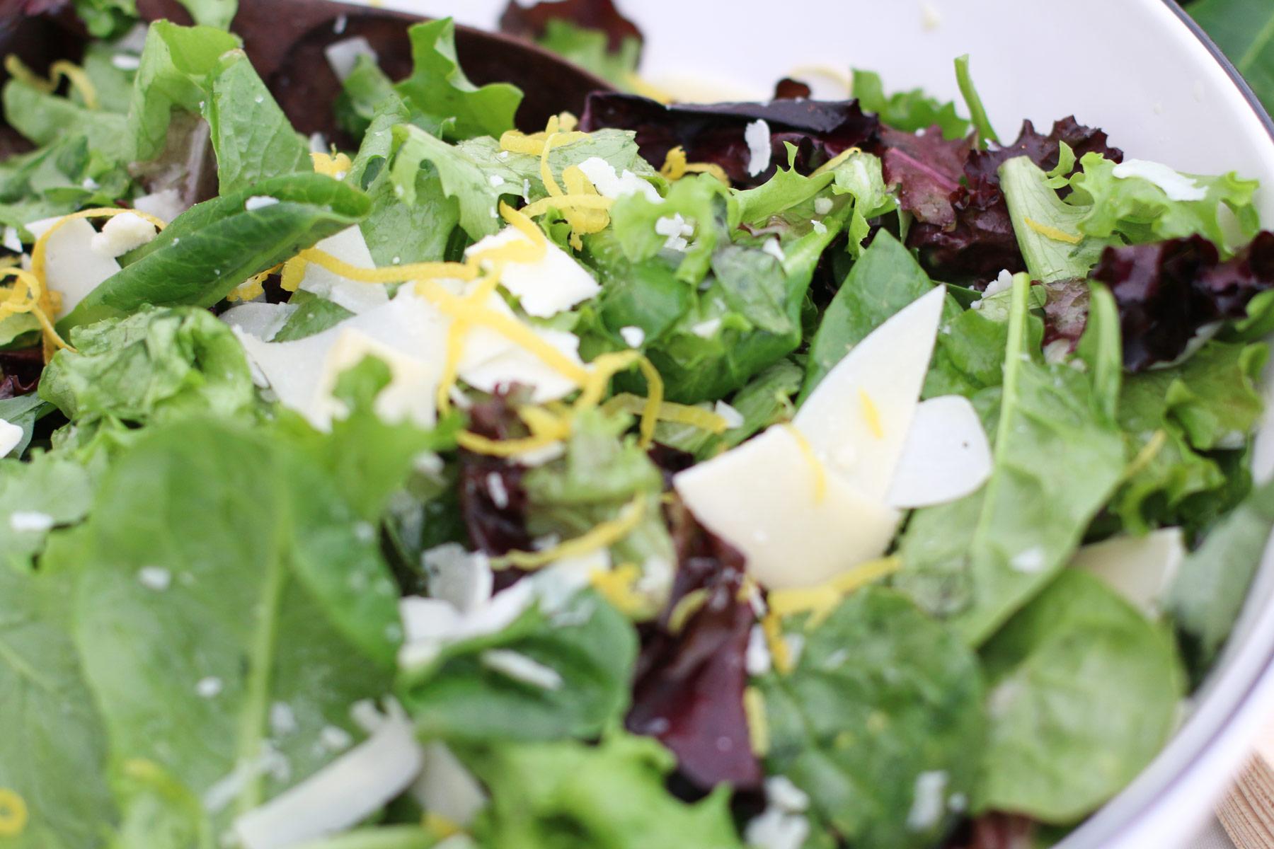 Simple bistro salad