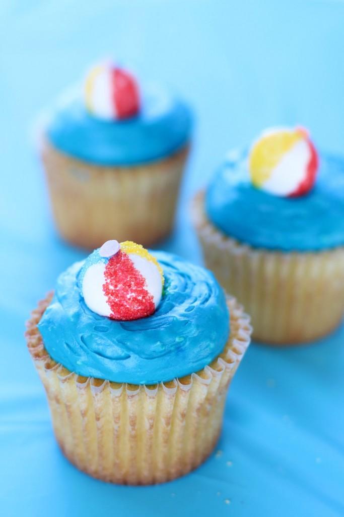 DIY Beach Ball Cupcake Toppers